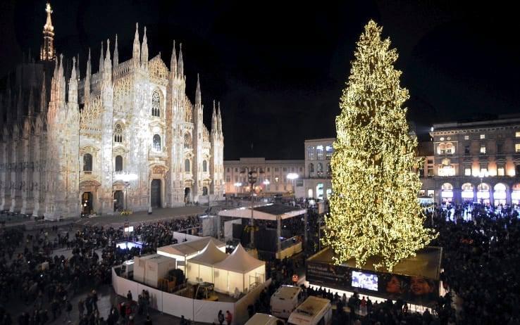 05.12 | Accensione Albero di Natale – Cocktail Party con Vista Duomo